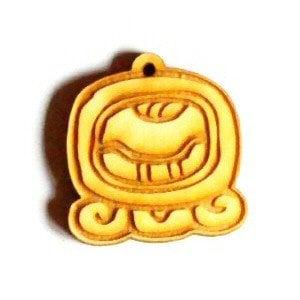 maya amulet kuščar 1401 1