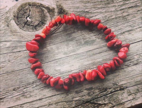 Zapestnica 'Obilje in blaginja' - Rdeča korala 1